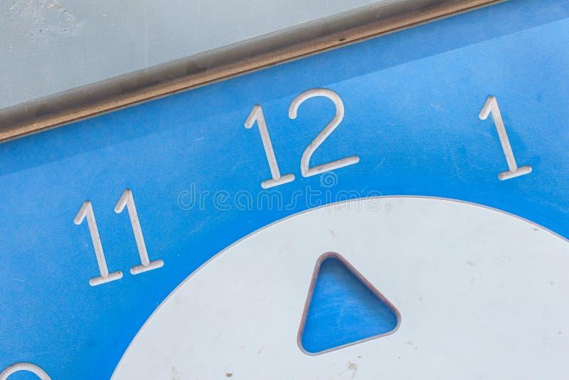 τα δίκρανα σχεδίου ρολογιών καφέδων φυλλάδιων διαμορφώνουν τα κουτάλια εικονιδίων χεριών στοκ εικόνα με δικαίωμα ελεύθερης χρήσης