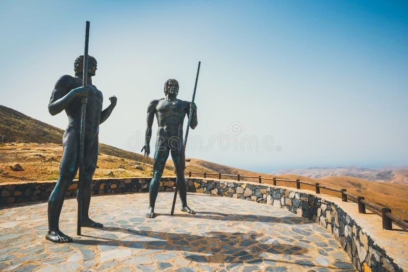 Τα αγάλματα σε Mirador Corrales de Guize δημιουργήθηκαν από το Emiliano Hernandez στοκ φωτογραφία