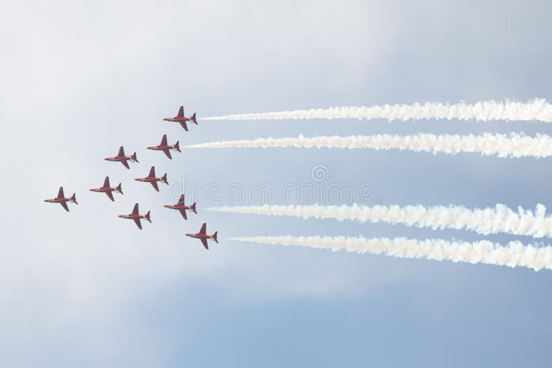 Τα αεριωθούμενα αεροπλάνα T1 γερακιών στον αέρα παρουσιάζουν στοκ εικόνες με δικαίωμα ελεύθερης χρήσης