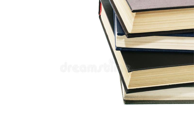 τα βιβλία dof ανασκόπησης απομόνωσαν το παλαιό ρηχό λευκό σωρών Απομονωμένο υπόβαθρο στοκ φωτογραφία