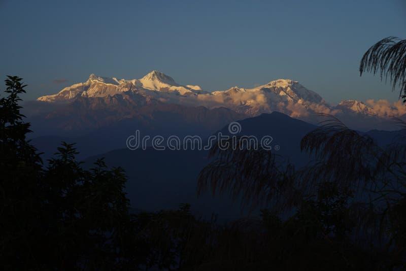 Τα βουνά στην περιοχή Annapurana στοκ εικόνες