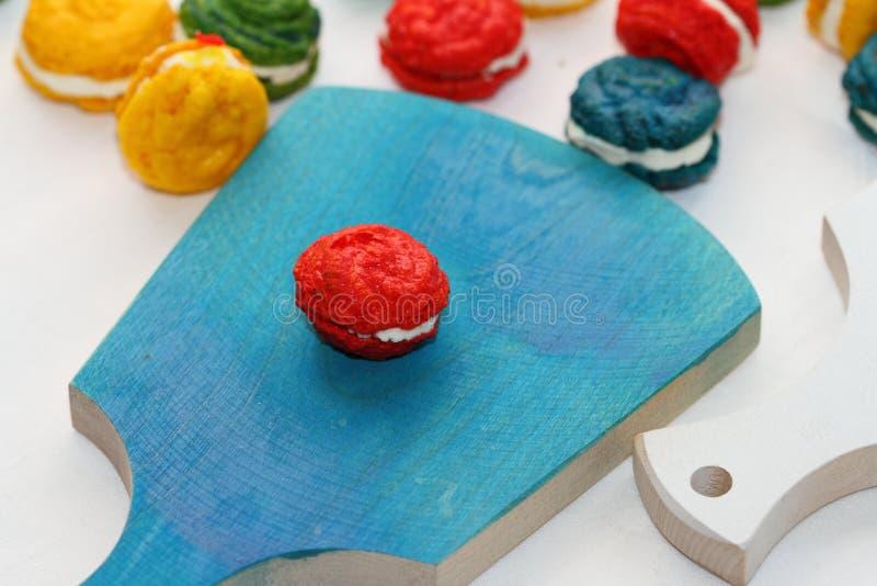 Τα γαλλικά κέικ αμυγδάλων στοκ φωτογραφία