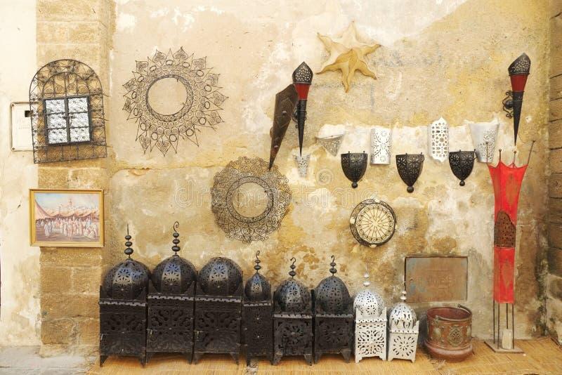 Τα εγχώρια διακοσμητικά προϊόντα για πωλούν μαροκινή παζαριών στοκ φωτογραφίες