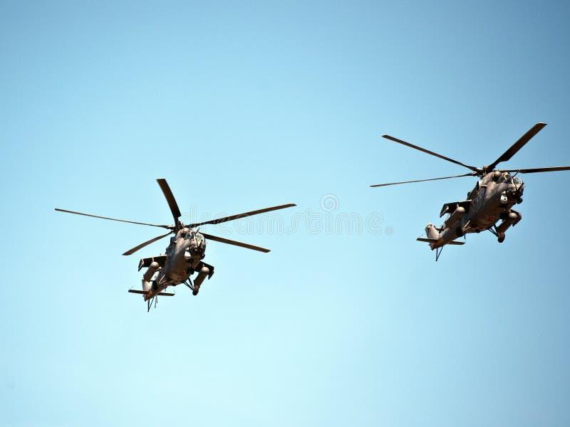 Τα ελικόπτερα στον αέρα παρουσιάζουν, στις 9 Μαΐου παρέλαση νίκης, Μόσχα, Ρωσία στοκ εικόνα