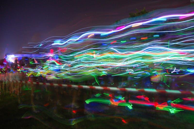 Τα ζωηρόχρωμα ρεύματα του φωτός στην πυράκτωση τρέχουν το Port Elizabeth στοκ φωτογραφίες με δικαίωμα ελεύθερης χρήσης