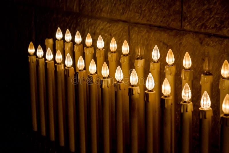 Τα ηλεκτρικά κεριά στη βασιλική Annunciation, Ναζαρέτ στοκ εικόνα με δικαίωμα ελεύθερης χρήσης