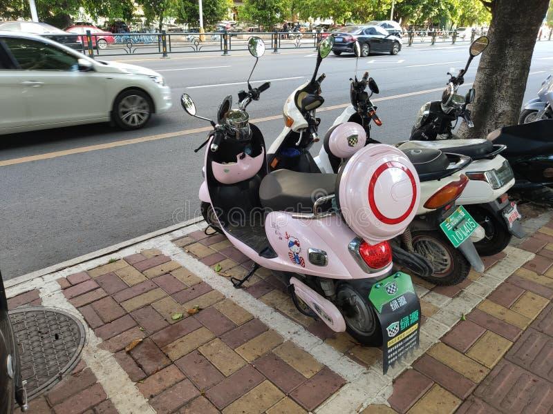 Τα ηλεκτρο μοτοποδήλατα είναι όμορφα στο Hainan στοκ εικόνα με δικαίωμα ελεύθερης χρήσης