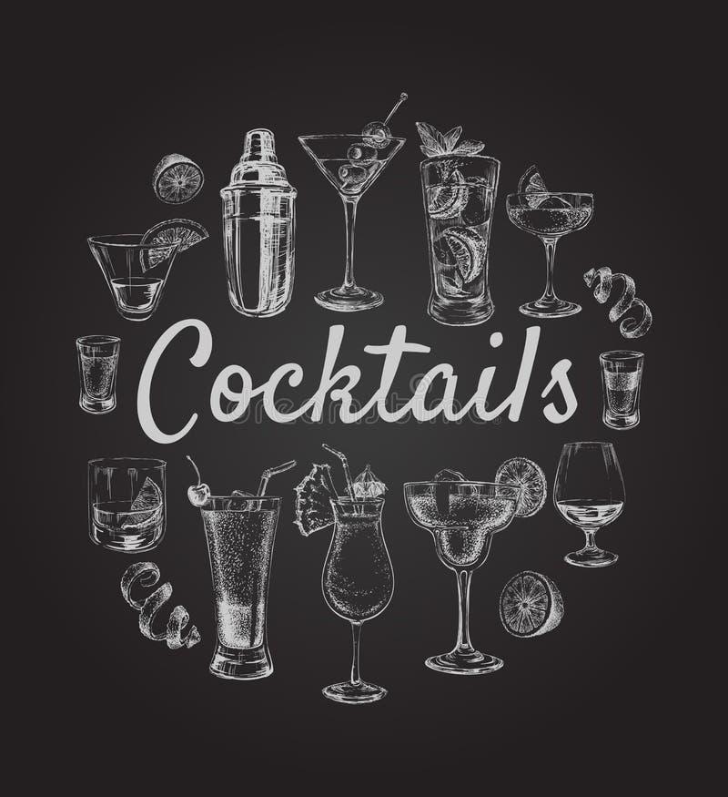 Τα καθορισμένα κοκτέιλ σκίτσων και τα ποτά οινοπνεύματος δίνουν τη συρμένη απεικόνιση διανυσματική απεικόνιση