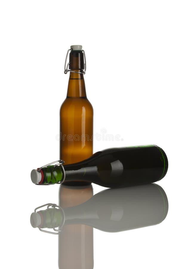 Download τα καλύμματα μπουκαλιών μ&p Στοκ Εικόνες - εικόνα από αλκοολών, κλειστός: 13182820