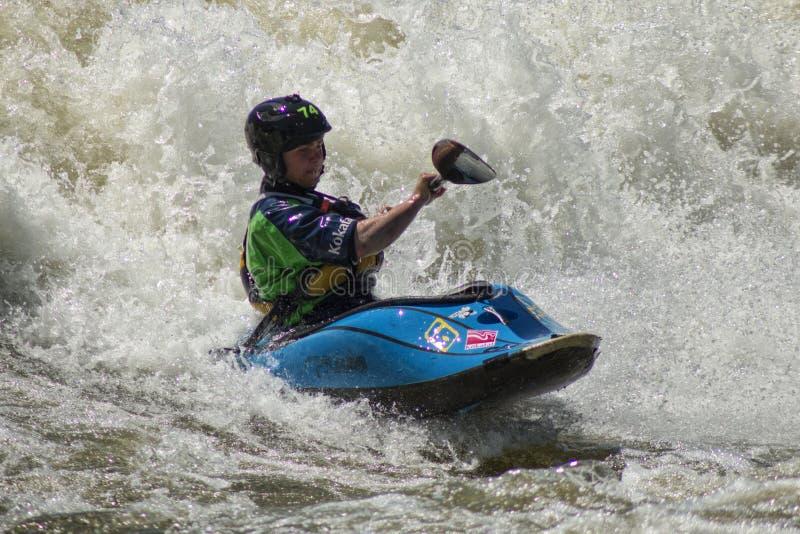 Τα καταπληκτικά κύματα ποταμών του ποταμού Chattahoochee στοκ εικόνες με δικαίωμα ελεύθερης χρήσης