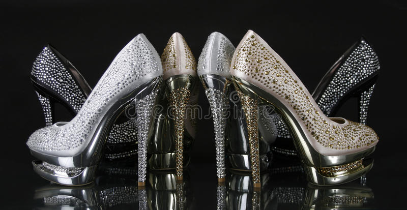 τα κρύσταλλα συλλογής τα παπούτσια τακουνιών στοκ εικόνες