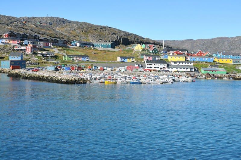 τα κτήρια ζωηρόχρωμη Γροιλανδία στεγάζουν qaqortoq στοκ φωτογραφία με δικαίωμα ελεύθερης χρήσης