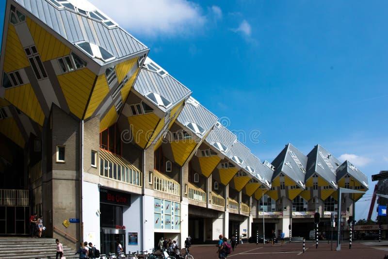 Τα κυβικά σπίτια Kubuswoningen στο Ρότερνταμ στοκ φωτογραφία με δικαίωμα ελεύθερης χρήσης