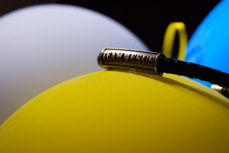 Τα μπαλόνια του Ιησού Christian χρωματίζουν τον κίτρινο μπλε λευκό Μαύρο στοκ φωτογραφίες με δικαίωμα ελεύθερης χρήσης