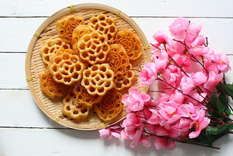 Τα μπισκότα χτενών μελιού ή αυξήθηκαν μπισκότα στοκ εικόνες