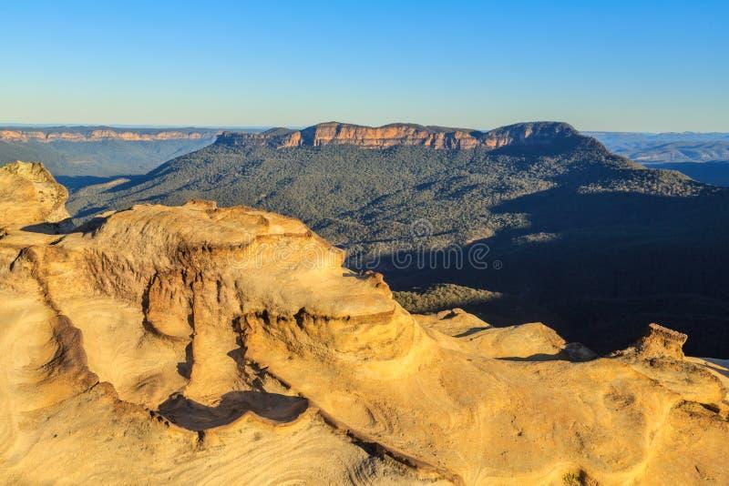 Τα μπλε βουνά, Νότια Νέα Ουαλία, Αυστραλία Άποψη του υποστηρίγματος απόμερη στοκ εικόνες