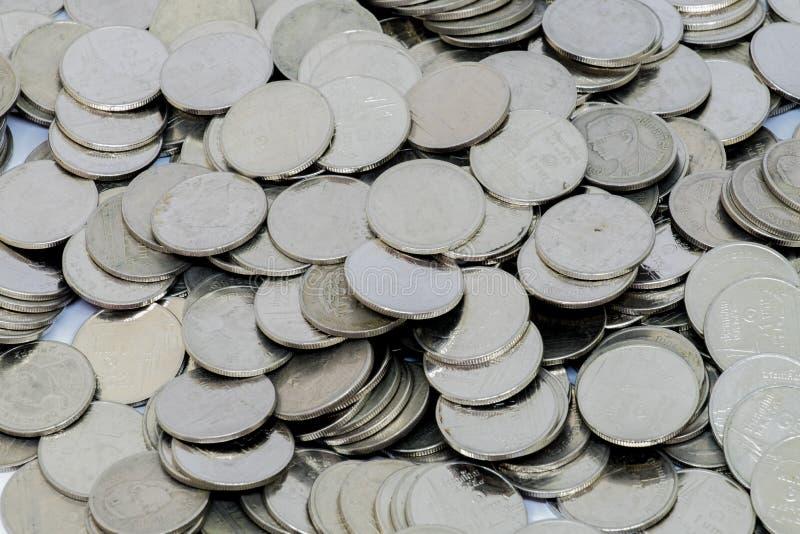 Τα νομίσματα ασημώνουν ένα μπατ Ταϊλάνδη στοκ φωτογραφίες
