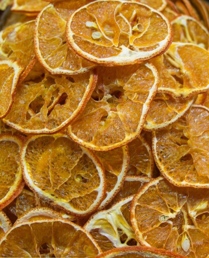 Τα ξηρά φρούτα πωλούν στην αγορά στοκ εικόνες