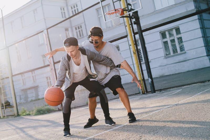 Τα παίχτης μπάσκετ στοκ φωτογραφίες με δικαίωμα ελεύθερης χρήσης