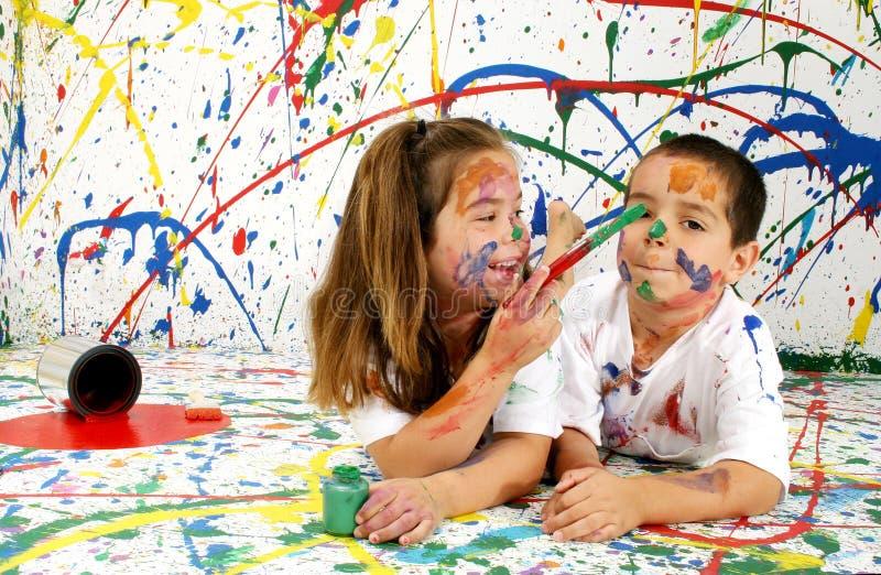 τα παιδιά χρωματίζουν στοκ εικόνα με δικαίωμα ελεύθερης χρήσης