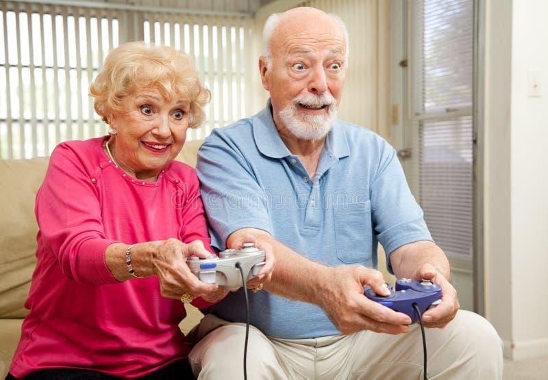 τα παιχνίδια ζευγών παίζο&upsi στοκ εικόνα
