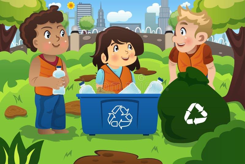 Τα παιδιά ανακυκλώνουν τα μπουκάλια ελεύθερη απεικόνιση δικαιώματος