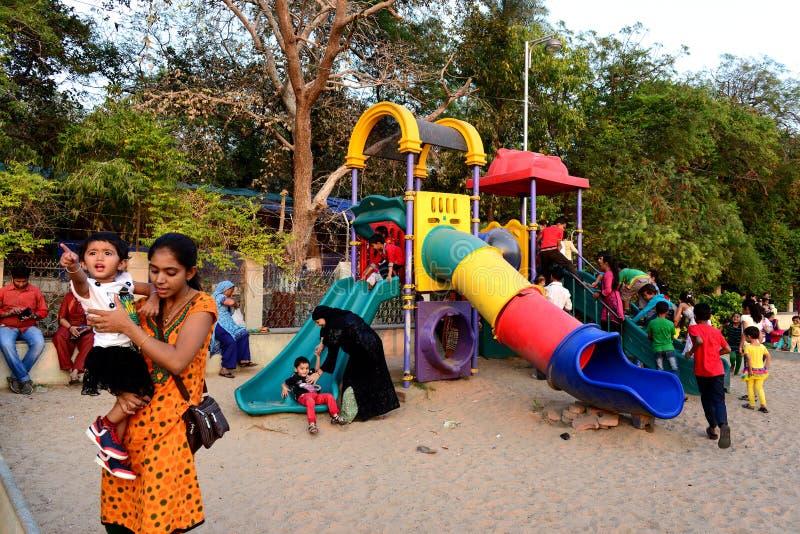 Τα παιδιά σταθμεύουν στοκ φωτογραφία με δικαίωμα ελεύθερης χρήσης