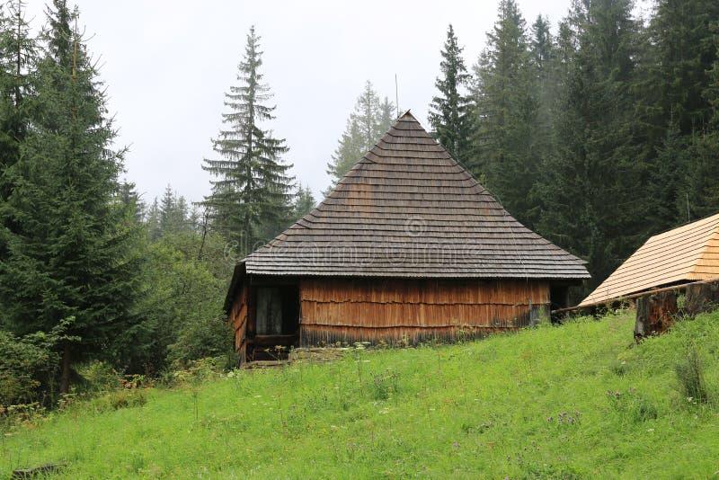Τα παραδοσιακά παλαιά ξύλινα σλοβάκικα στοκ εικόνα με δικαίωμα ελεύθερης χρήσης