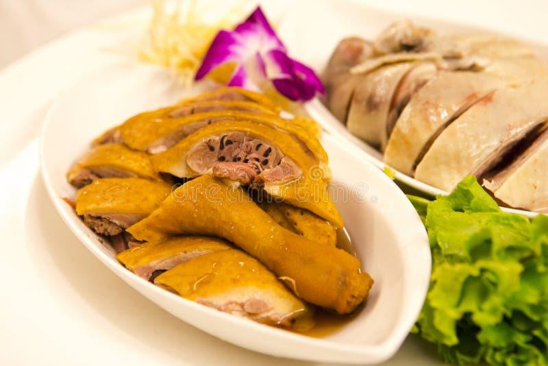 Τα παραδοσιακές, πολιτικές τρόφιμα της Ταϊβάν ` s, το κοτόπουλο και η πιατέλα χήνων, κάπνισαν τη χήνα και το κοτόπουλο άσπρος-περ στοκ φωτογραφία με δικαίωμα ελεύθερης χρήσης