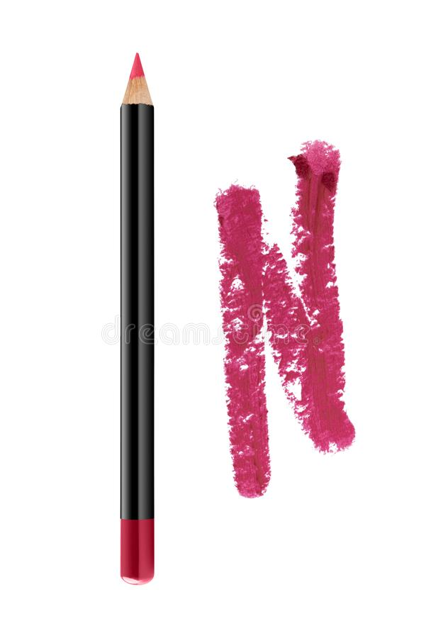 Τα πορφυρά χείλια περιγράφουν το καλλυντικό μολύβι με το δείγμα κτυπήματος χρώματος, προϊόν ομορφιάς που απομονώνεται στο άσπρο υ στοκ φωτογραφίες με δικαίωμα ελεύθερης χρήσης