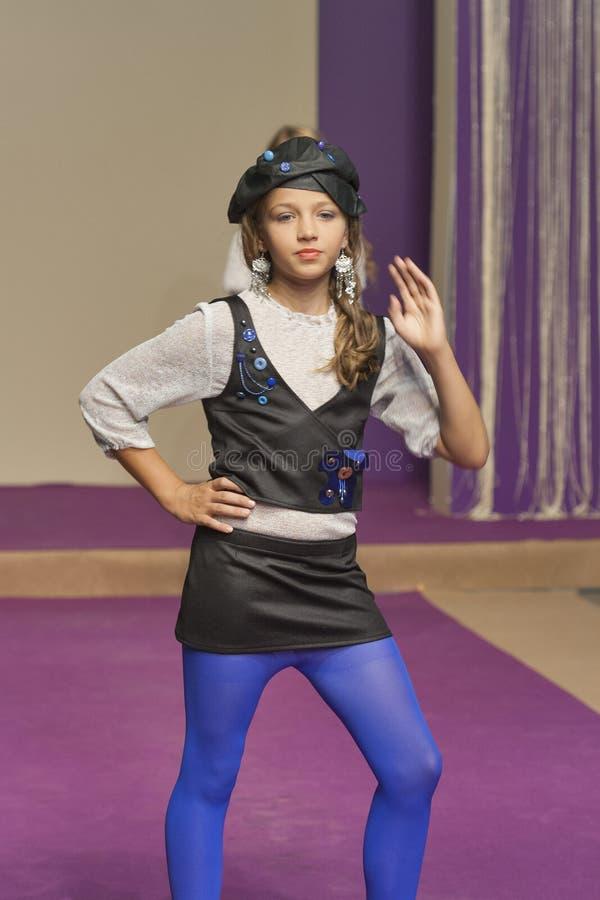 Τα πρότυπα νέων κοριτσιών σε Kyiv διαμορφώνουν το 2014 στοκ εικόνες