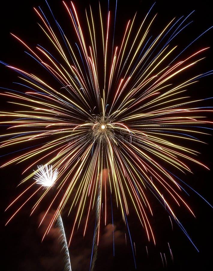 Τα πυροτεχνήματα εμφανίζουν VII στοκ εικόνα με δικαίωμα ελεύθερης χρήσης