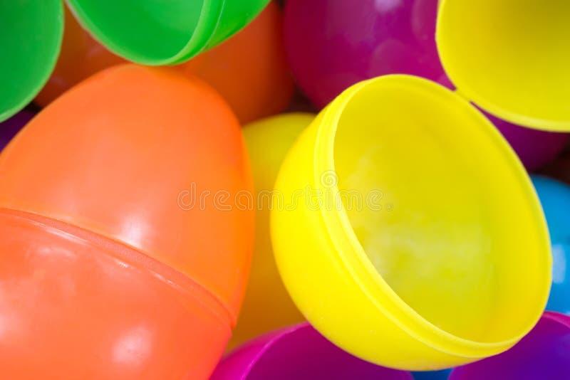 Τα πλαστικά αυγά Πάσχας κλείνουν την άποψη στοκ εικόνα με δικαίωμα ελεύθερης χρήσης