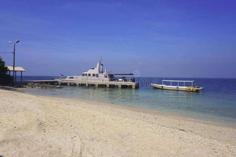 Τα σκάφη δέθηκαν στο λιμάνι στοκ εικόνες