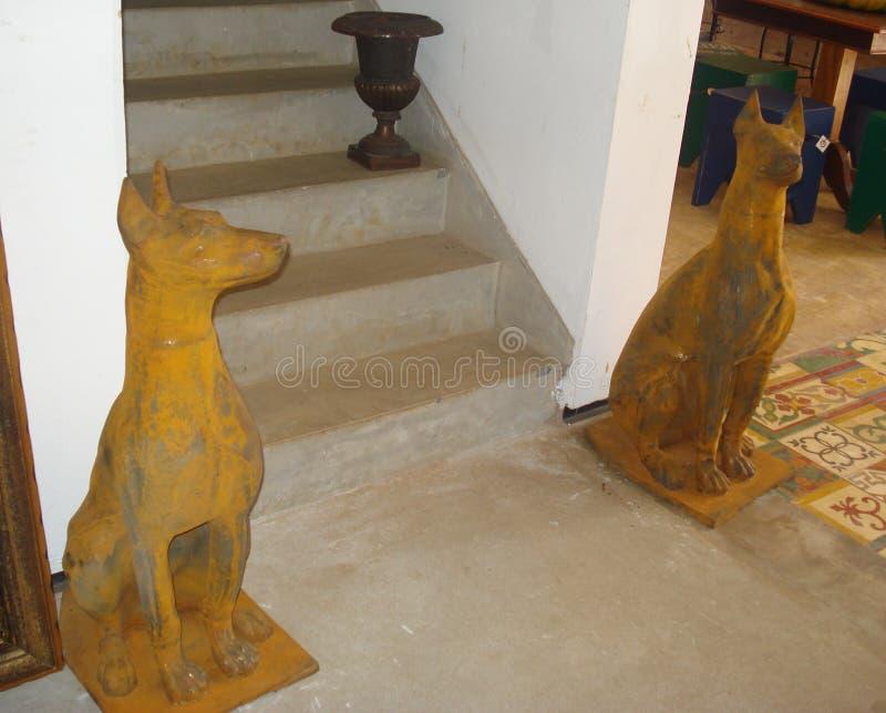 Τα σκυλιά φρουράς σιδήρου στοκ εικόνες με δικαίωμα ελεύθερης χρήσης