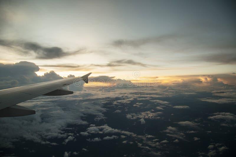 Τα σύννεφα στοκ φωτογραφία με δικαίωμα ελεύθερης χρήσης