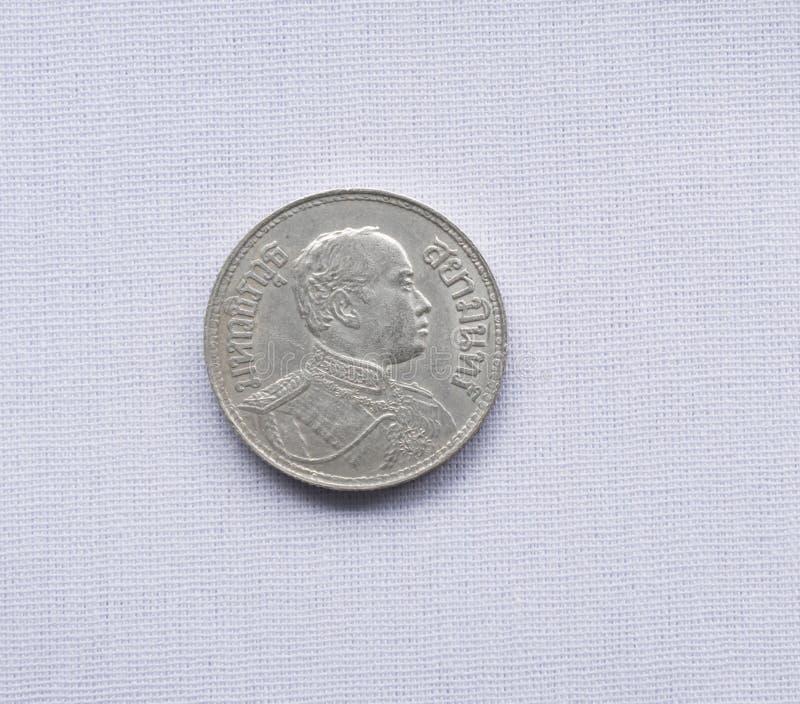 Τα ταϊλανδικά νομίσματα νομίσματος έχουν χρησιμοποιηθεί ένα εκατό πριν από χρόνια στοκ φωτογραφίες με δικαίωμα ελεύθερης χρήσης