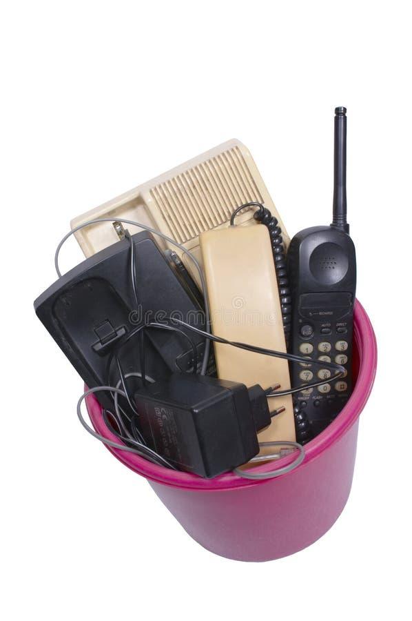 τα τηλέφωνα δοχείων ανακυκλώνουν συνδεμένος με καλώδιο στοκ φωτογραφία με δικαίωμα ελεύθερης χρήσης