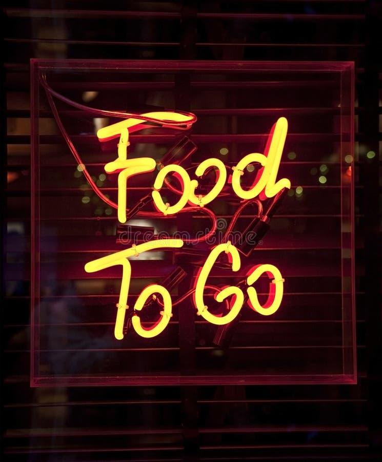 τα τρόφιμα πηγαίνουν σημάδι στοκ φωτογραφία
