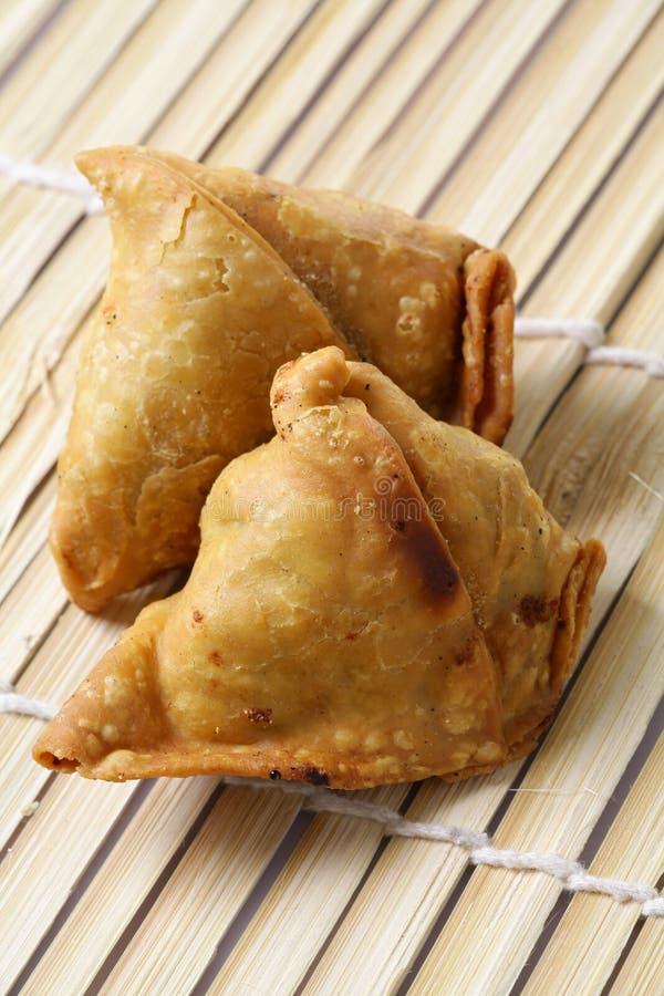 τα τρόφιμα τηγάνισαν Ινδό στοκ εικόνες