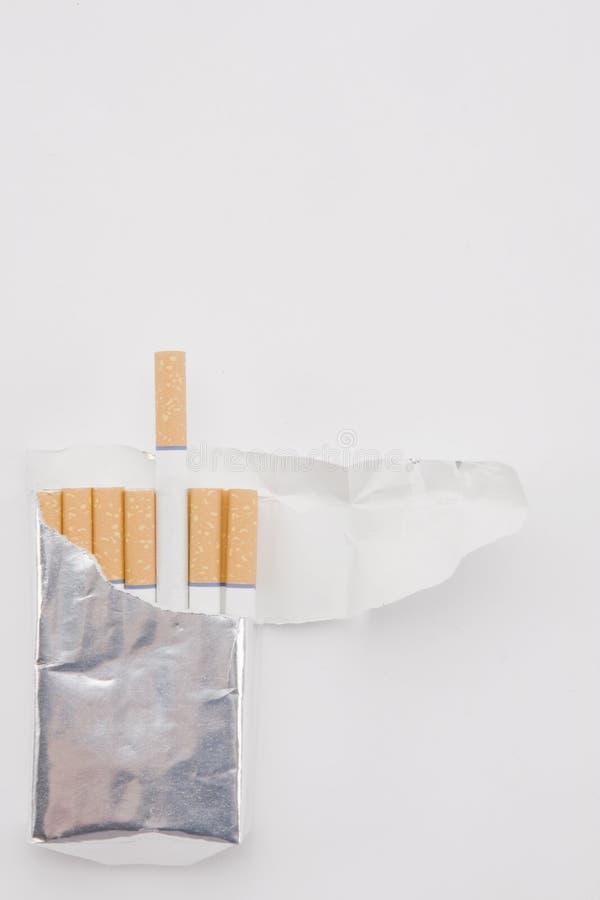 τα τσιγάρα συσκευάζουν  στοκ εικόνες με δικαίωμα ελεύθερης χρήσης