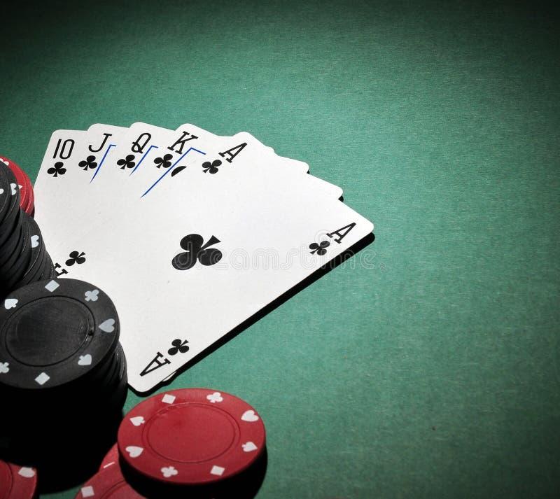τα τσιπ ξεπλένουν το πόκερ βασιλικό στοκ εικόνα