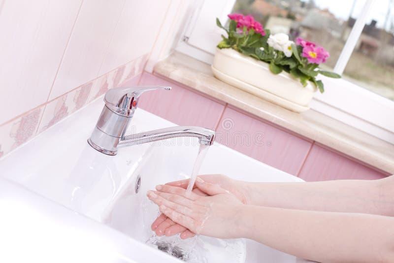 τα χέρια πλένουν το σας στοκ φωτογραφίες με δικαίωμα ελεύθερης χρήσης