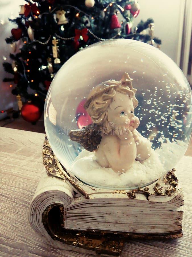 τα Χριστούγεννα αγγέλου απομόνωσαν το λευκό στοκ φωτογραφία