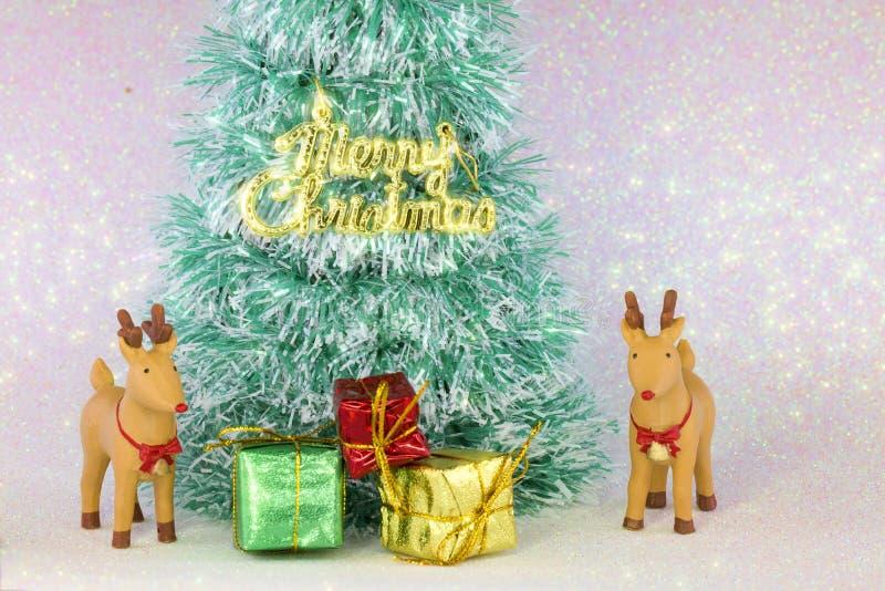 Download τα Χριστούγεννα διακοσμούν τις φρέσκες βασικές ιδέες διακοσμήσεων Στοκ Εικόνα - εικόνα από ελάφια, σπίτι: 62708075