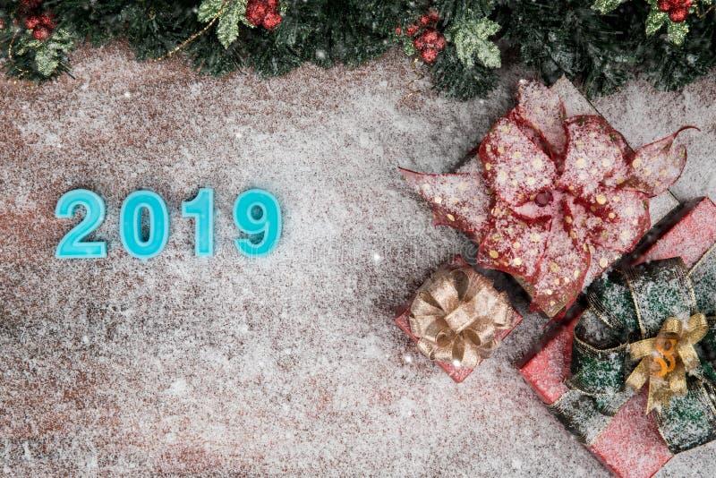Τα Χριστούγεννα και η νέα έννοια έτους έχουν σύνορα χρώματος έτους 2019 τα μπλε στοκ εικόνα με δικαίωμα ελεύθερης χρήσης