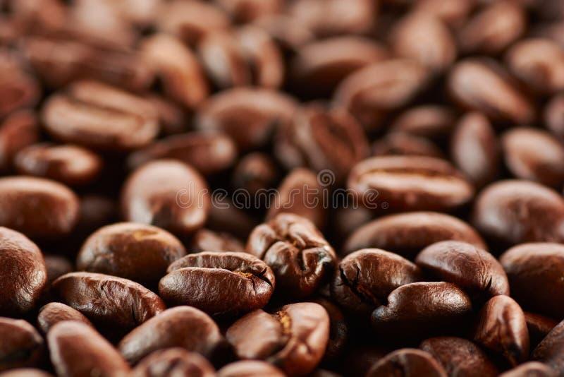Τα ψημένα φασόλια καφέ, μπορούν να χρησιμοποιηθούν ως ανασκόπηση στοκ φωτογραφίες με δικαίωμα ελεύθερης χρήσης