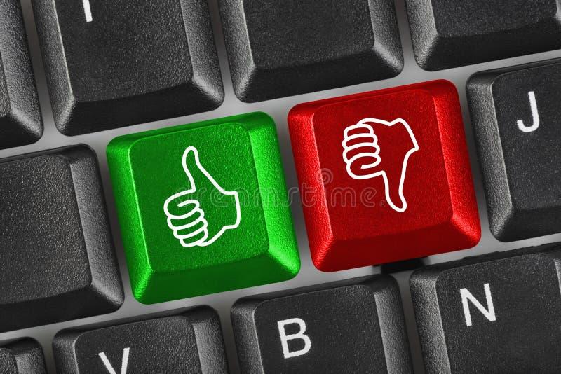 τα gesturing χέρια υπολογιστών πλ στοκ φωτογραφίες με δικαίωμα ελεύθερης χρήσης
