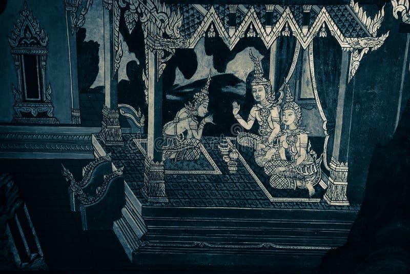 Τα mural έργα ζωγραφικής Ramakian Ramayana είναι γραπτός απομονωμένος χρώμα τοίχος κατά μήκος των στοών του ναού της σμαράγδου στοκ φωτογραφίες