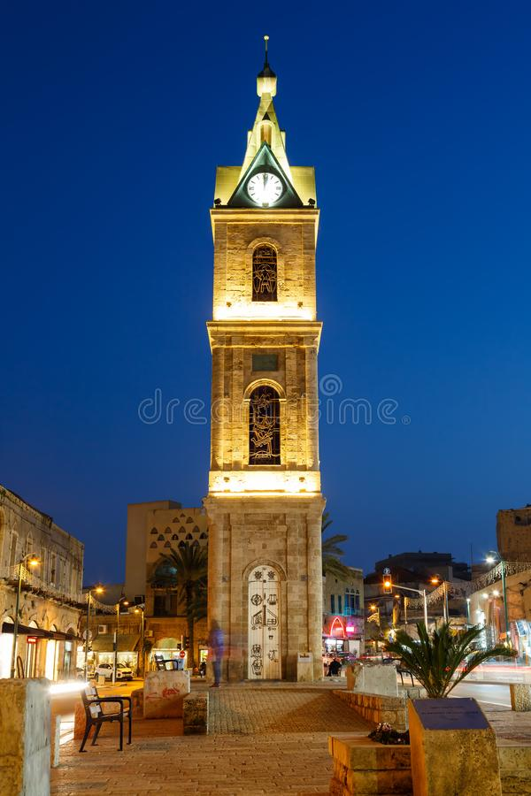 Τελ Αβίβ Jaffa Ισραήλ το μπλε σχήμα πορτρέτου πόλεων νύχτας ώρας πύργων ρολογιών στοκ φωτογραφία με δικαίωμα ελεύθερης χρήσης